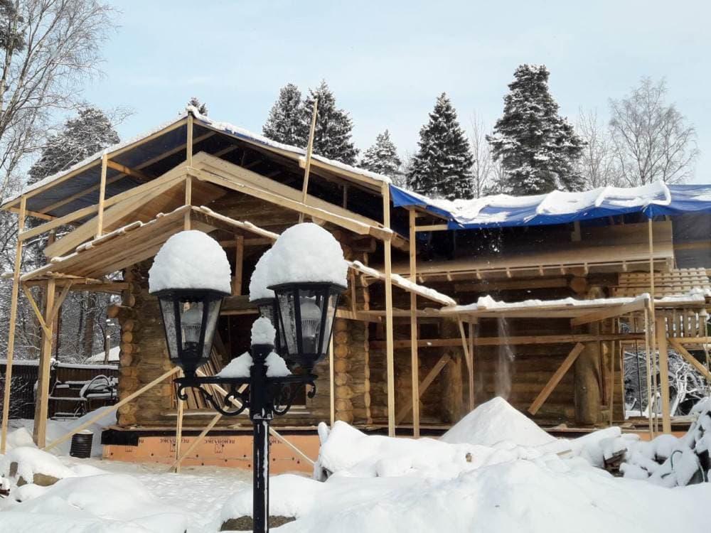 Строительство бани из бревна под ключ зимой от компании УтКи