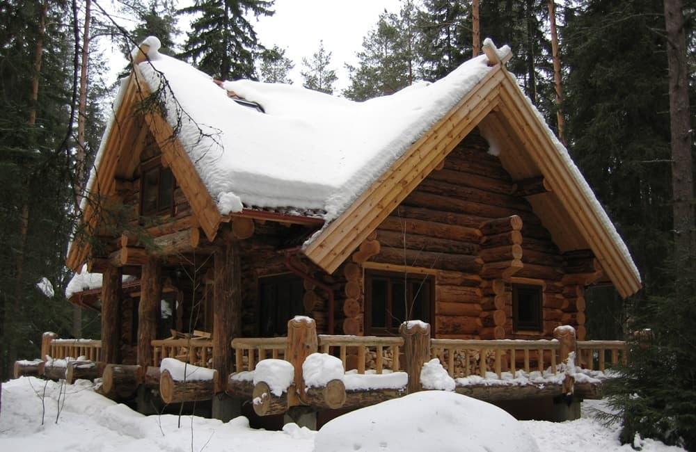 Строительство кровли сруба в снегу - лучше, чем под дождем